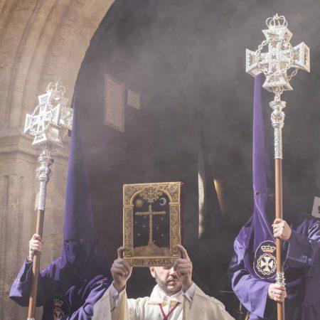via crucis cristo amargura virgen reyes martes santo